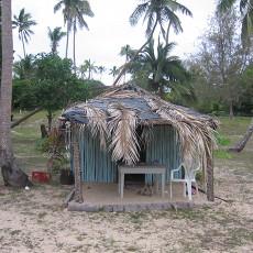Uoleva huts on the beach