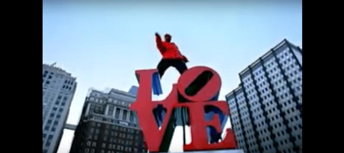 philadelphia-love-statue.png