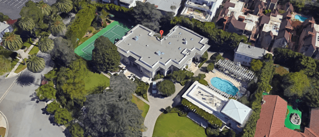 kim's-birthday-party-mansion.png