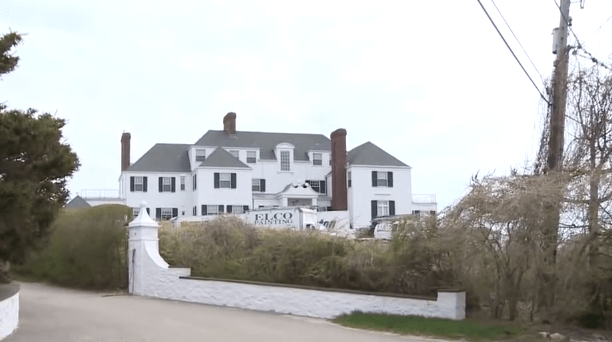 taylor-swifts-beach-house