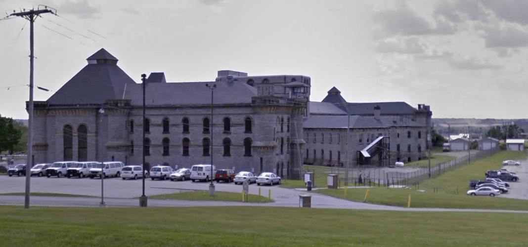 the-shawshank-redemption-prison-sv-2.PNG