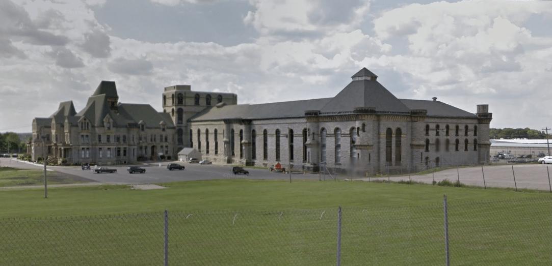 the-shawshank-redemption-prison-sv.PNG