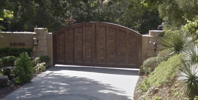will-smiths-house-gate.PNG