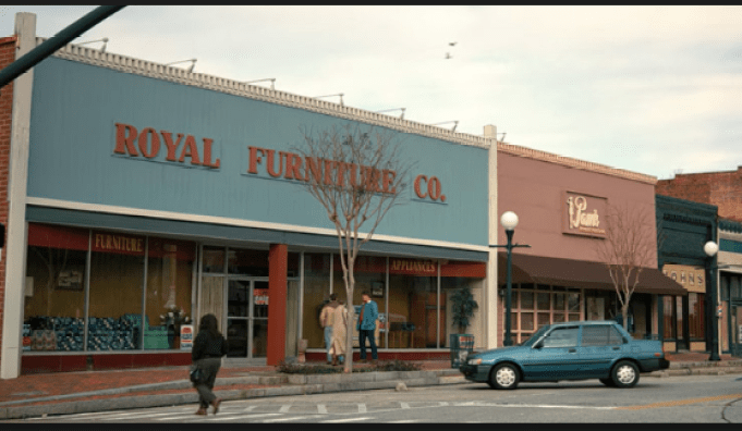 royal-furniture2.PNG