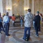 """""""Konsumkritischer Stadtspaziergang"""" mit Stop im Schloss Mirabell und Vortrag zu Fairtrade-Stadt Salzburg von Hilde Wanner"""
