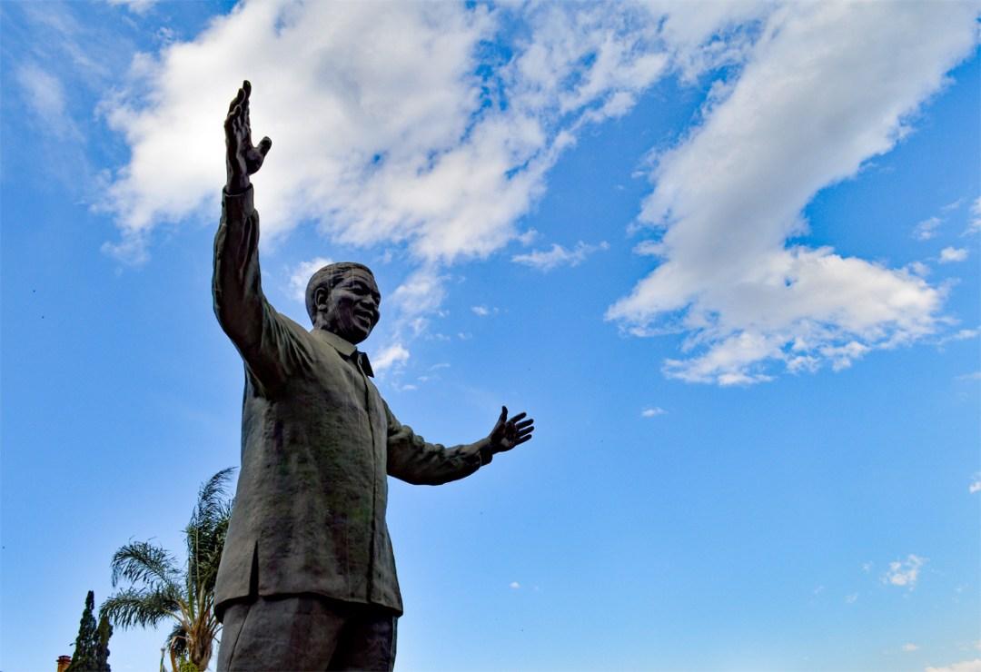 Statue von Nelson Mandela, Union Buildings, Pretoria, (c) Francisco Anzola