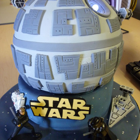 Star Wars LED Powered Death Star Birthday Cake [pic]