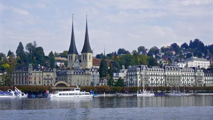 Lucerne Waterfront, Hofkirche