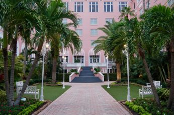 The Don CeSar outdoor courtyard
