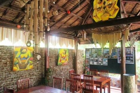 Palawan Island: Sheebang Hostel and Judy's Restro Bar