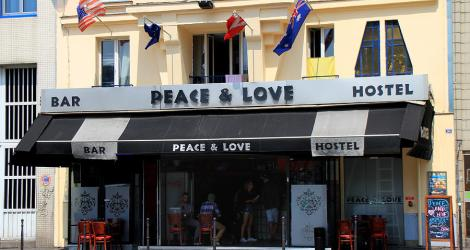 Paris: Peace & Love Hostel