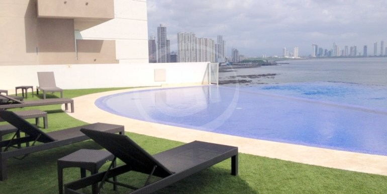 15 Oasis On The Bay - Piscina