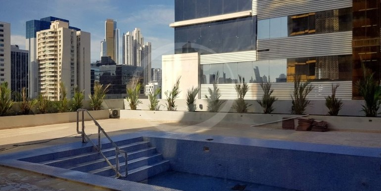 15. Piscina (1) DownTown 25-E