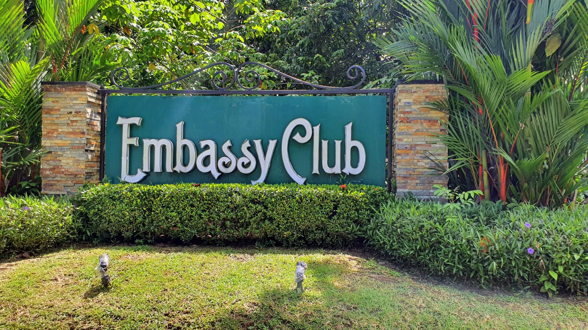 Embassy Club Vistas y Lugares (1)