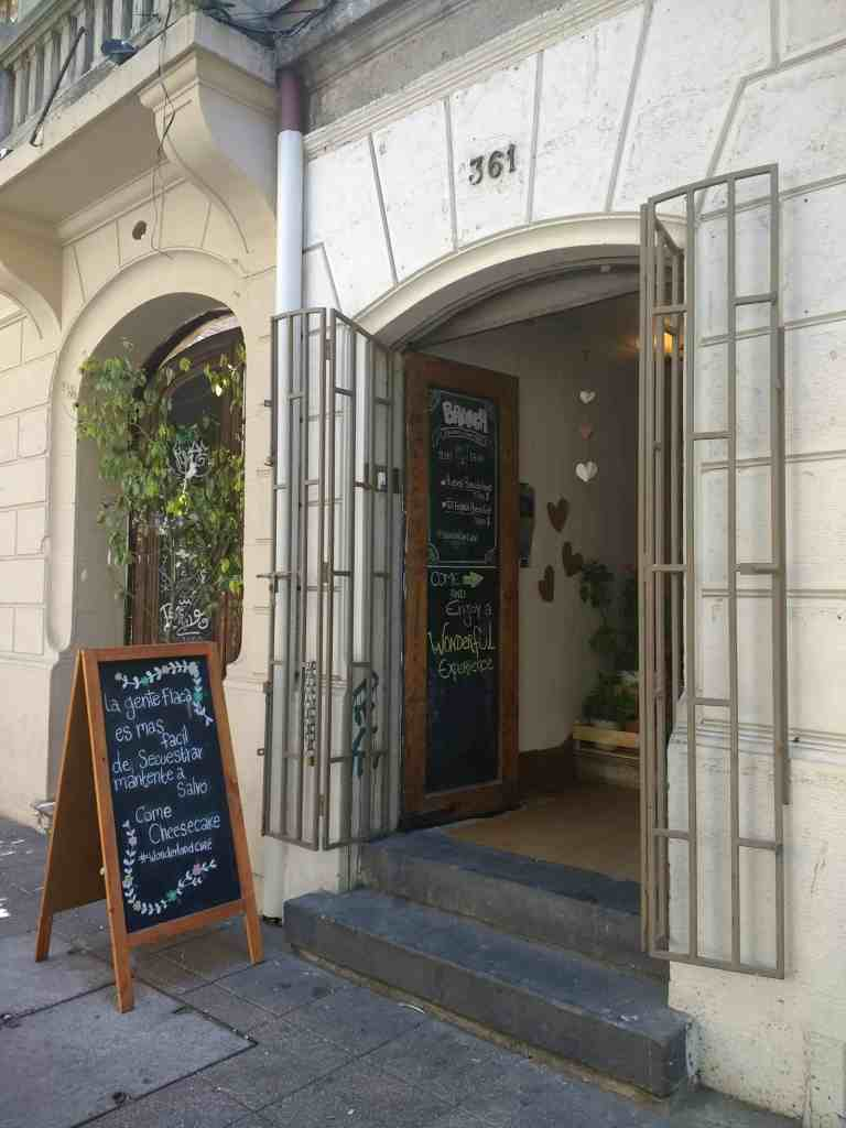 Santiago de Chile for Introverts - Wonderland Cafe