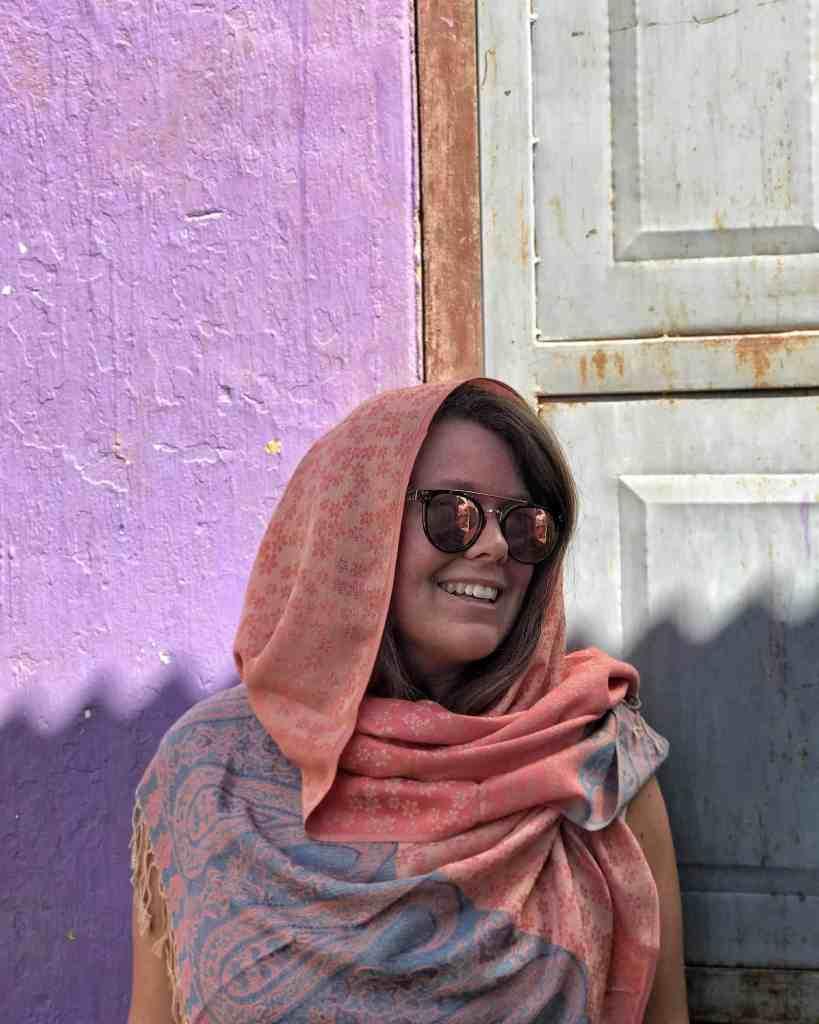 Elle wearing headscarf