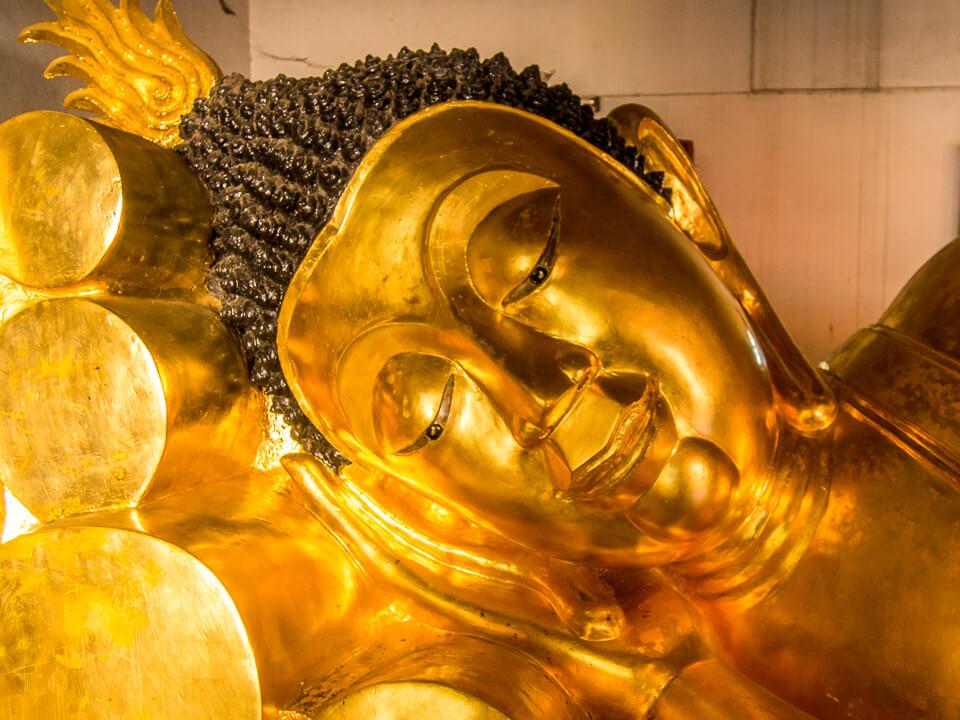 a reclining buddha northern thailand photo essay