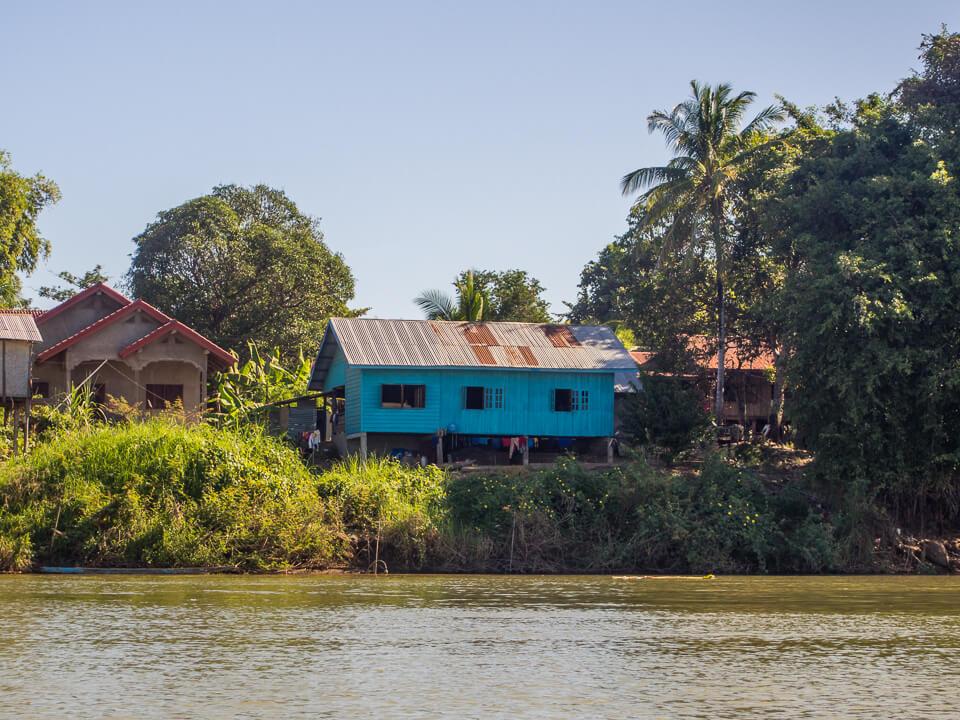 house banks mekong river si phan don laos