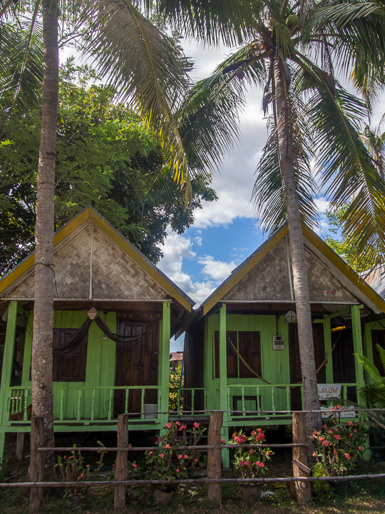 huts on don det 4000 islands laos