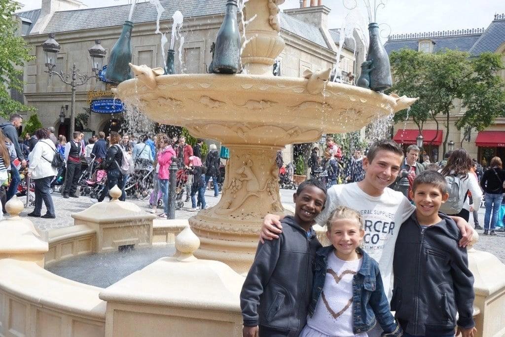 fountain_ratatouille_paris_disney