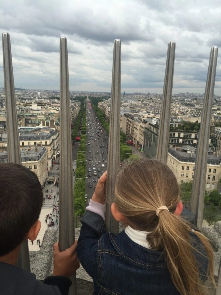 views_arcdetriomphe_paris_france