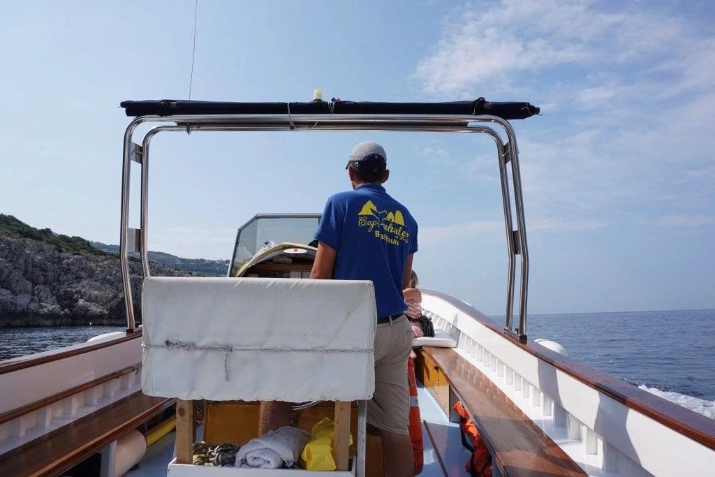 capriwhales_boat_privatetour