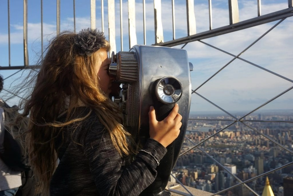 Little_Girl_Empire_State_Building
