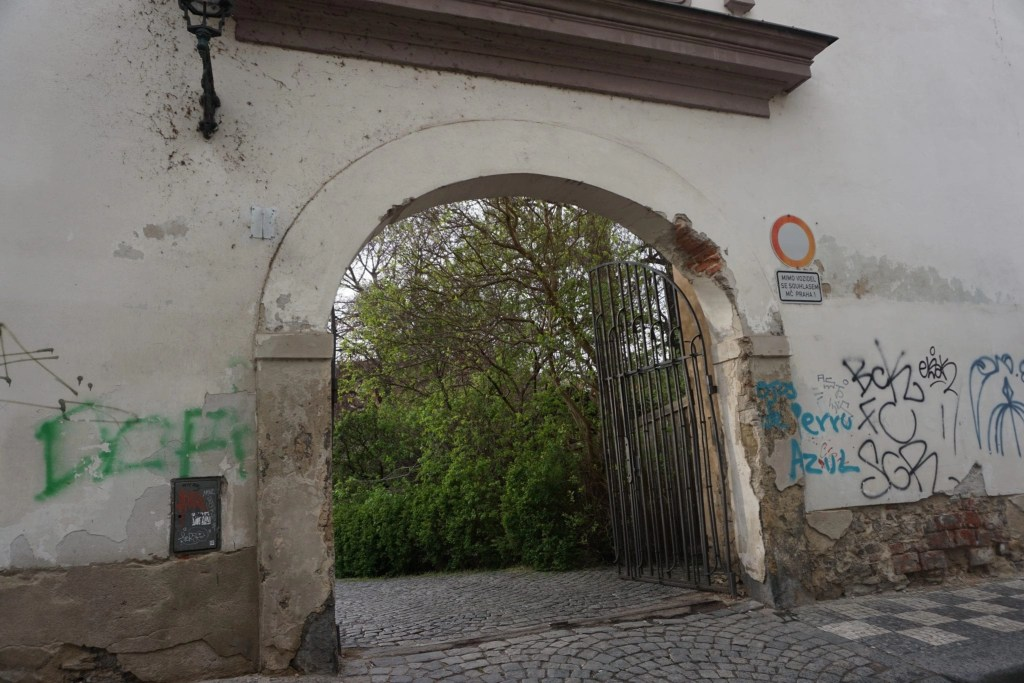 Secret_Garden_in_Prague