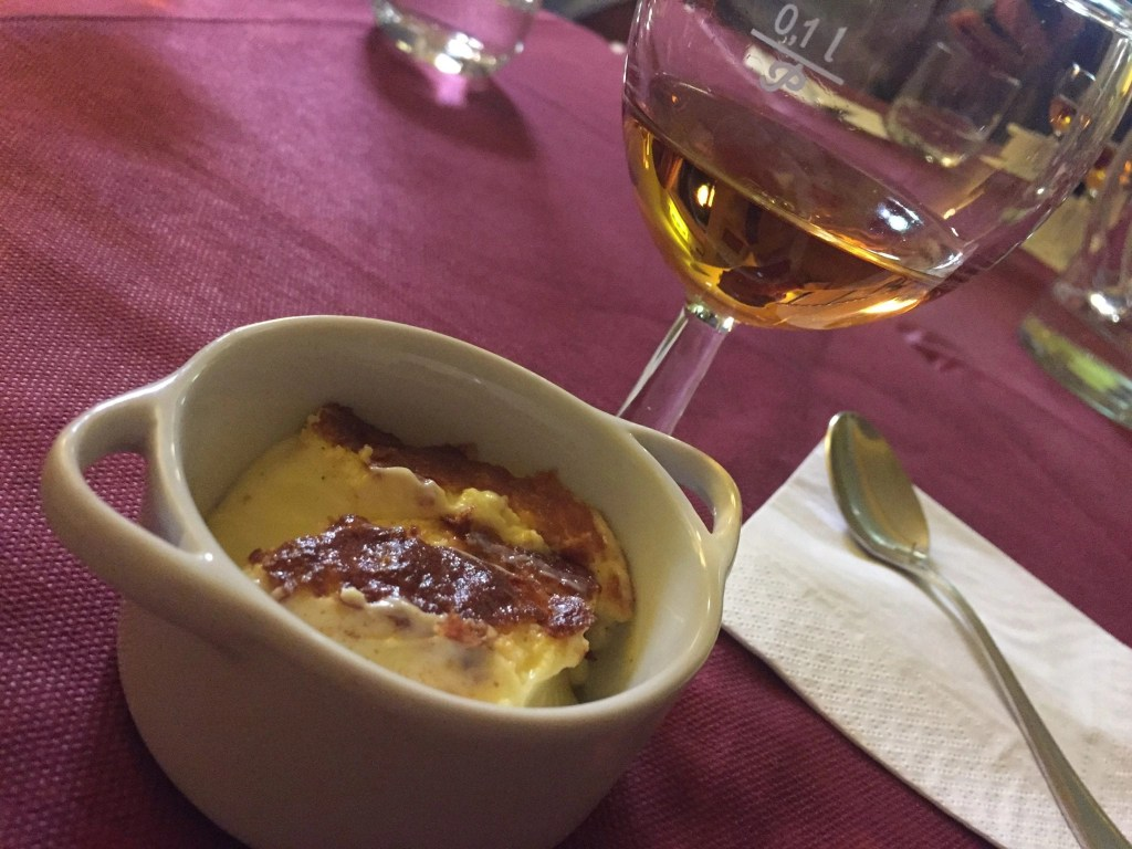 Dessert_Wine_and_Creme_Brulee_in_italy