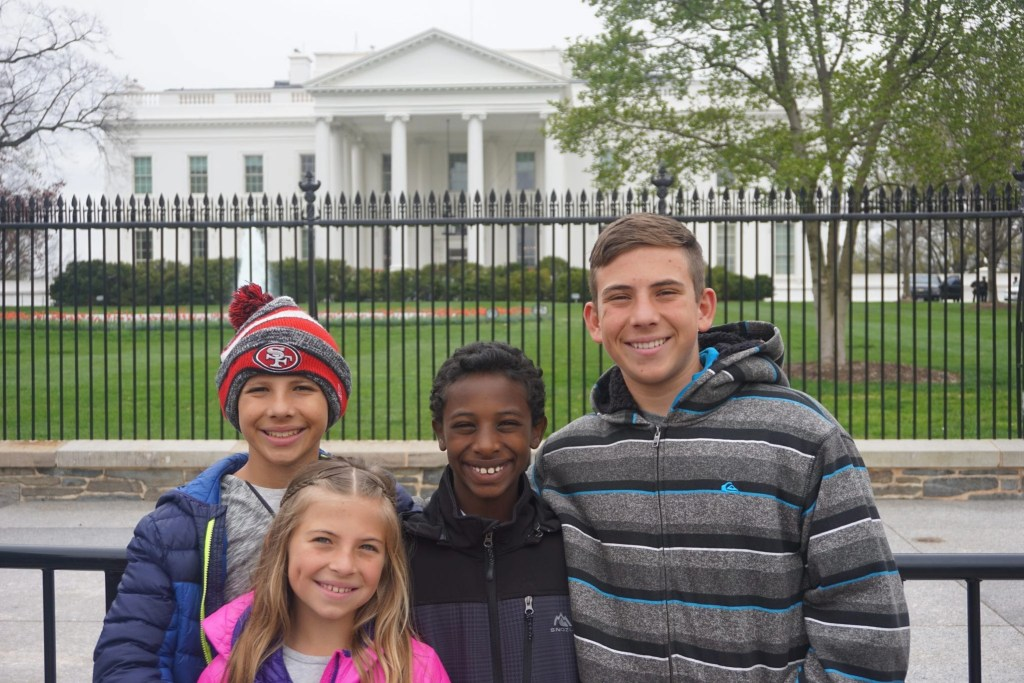 Transracial_Adoptive_Family_at_white_house