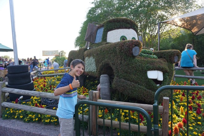 Disney Crowd Calendar Mater Topiary at the Epcot Flower and Garden festival | Global Munchkins