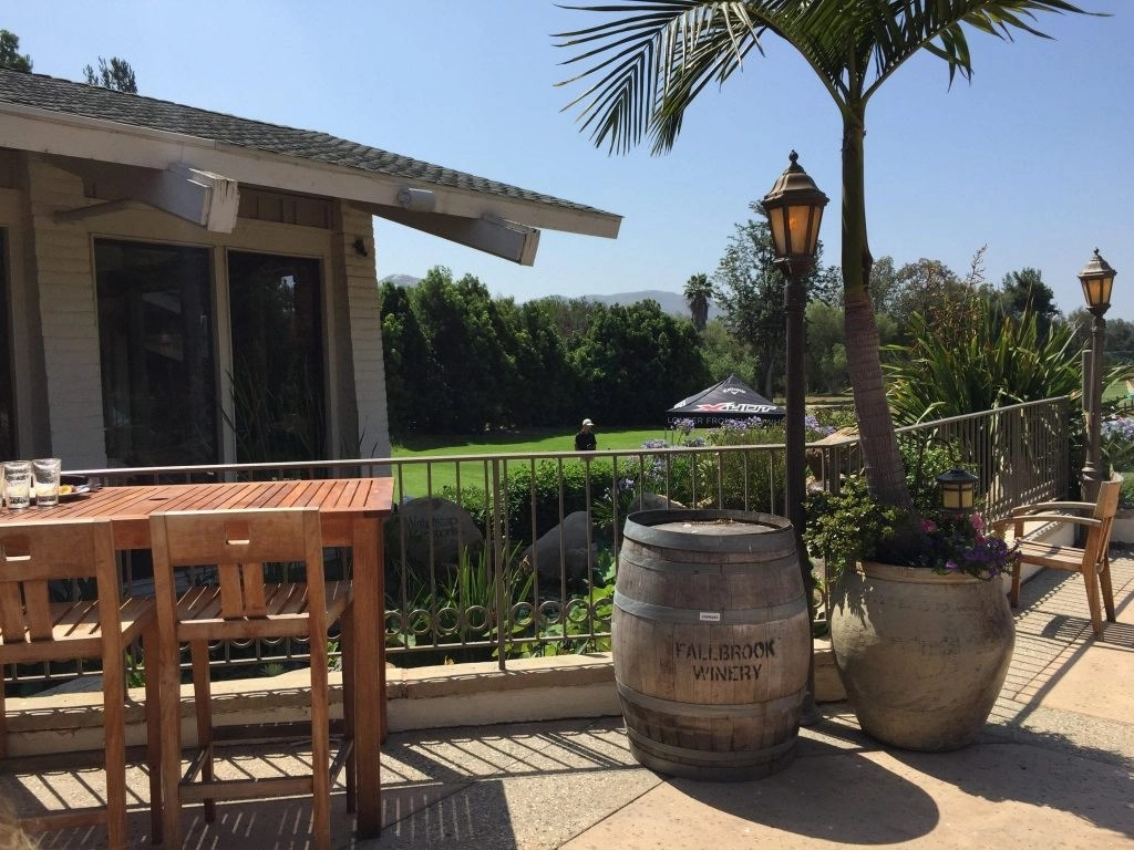 Beautiful Patio offering Al Fresco Dining at Aquaterra Restaurant in Fallbrook CA | Global Munchkins