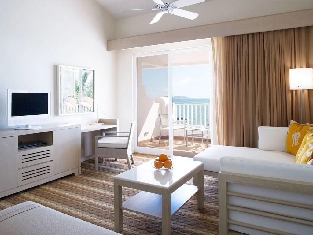 la-marina-guestroom-El Conquistador Resort