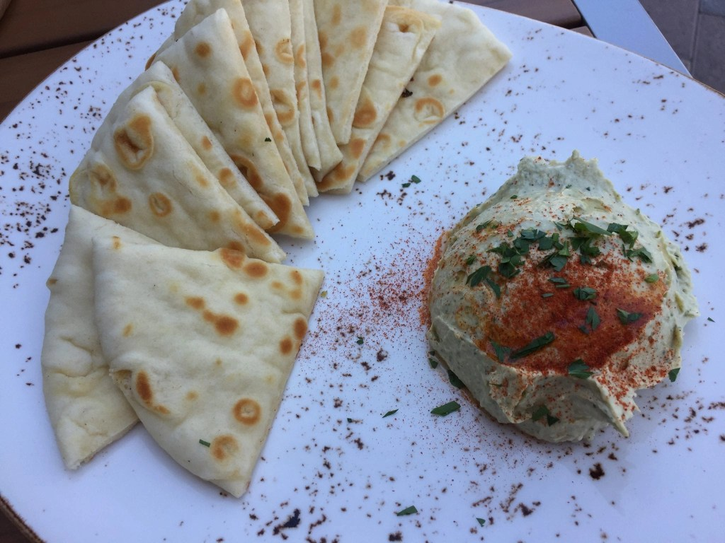 Hummus Plate at Luna Grill in Temecula | Global Munchkins