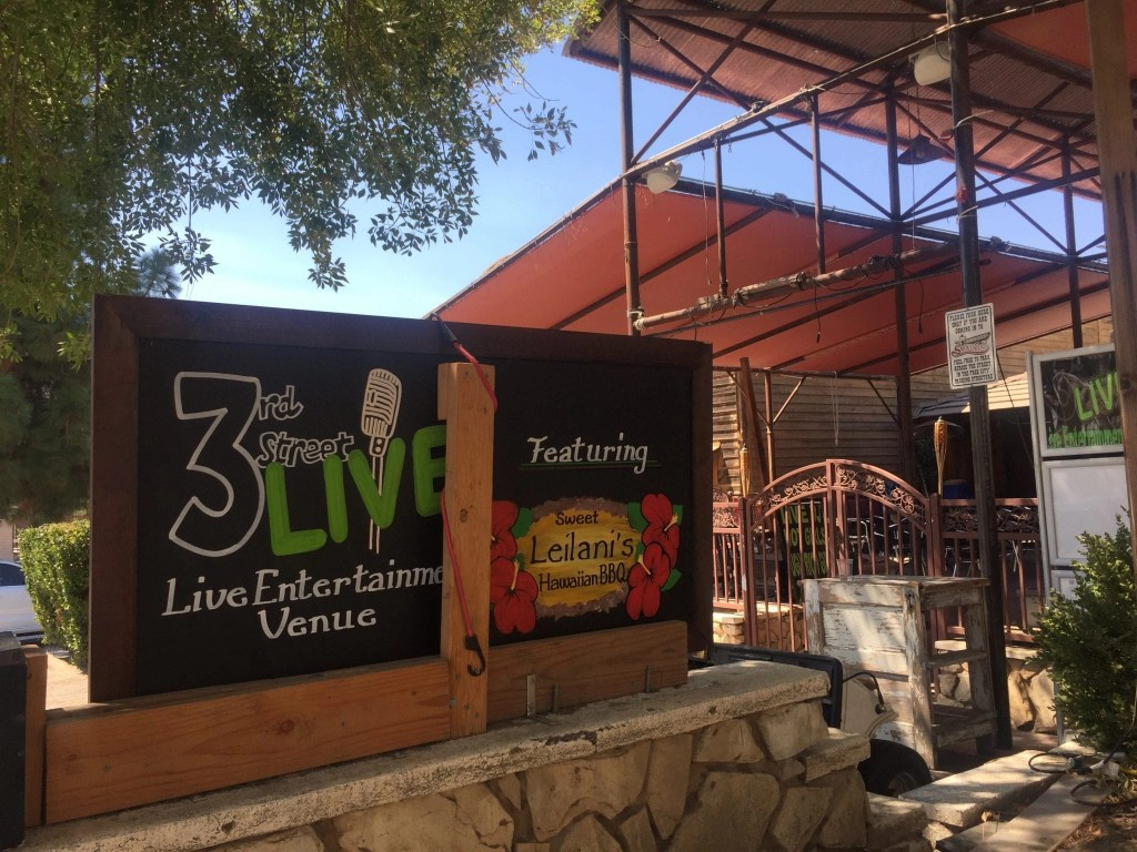 3rd Street Live is a fun comedy show and great date night in Temecula | Global Munchkins