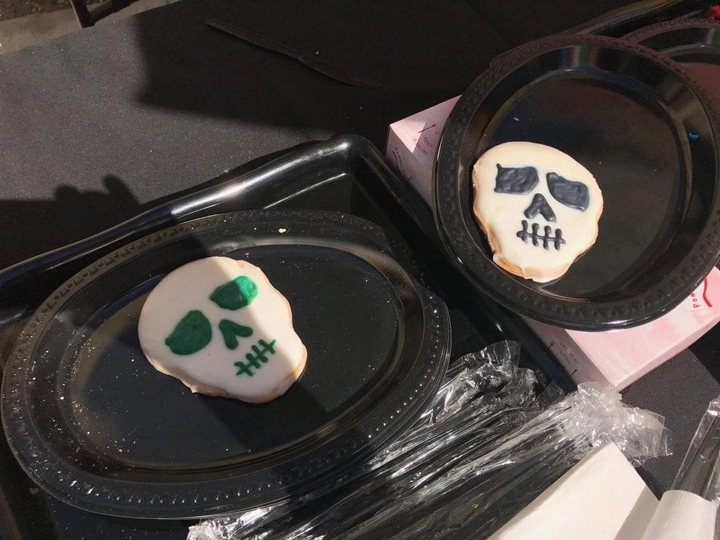 Skull Cookies at Knott's Spooky Farm   Global Munchkins