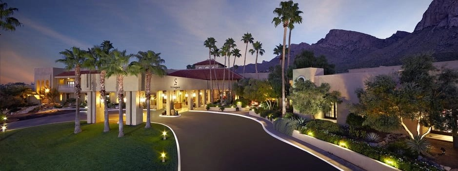 Main entrance and lobby of Hilton El Conquistador in Tucson