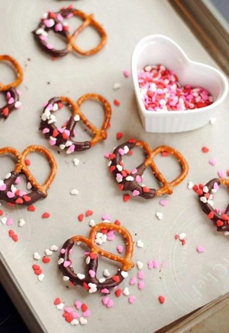 Valentine's Day Chocolate Covered Pretzels