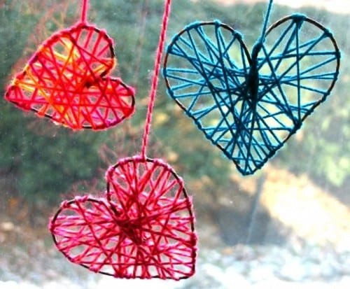 Yarn Heart Craft perfect for Valentine's Day with Kids. Valentine's Day craft.