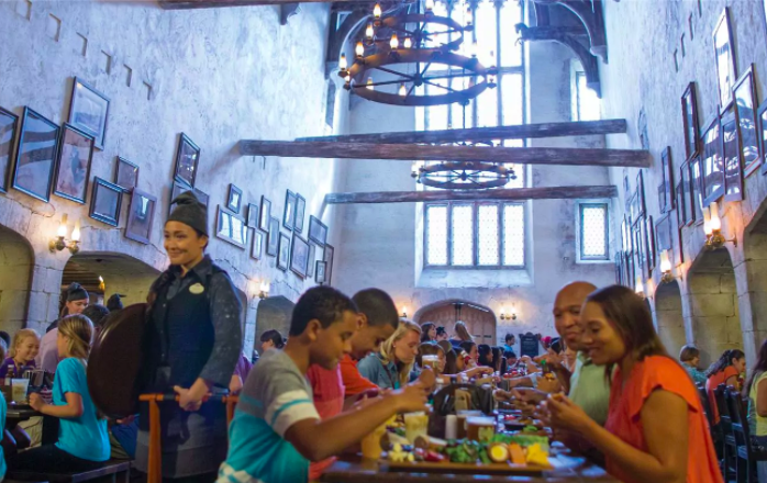 The Universal Orlando Food Scene has really stepped up it's game. Check out the Top 10 foodie items you need to check out on your next visit. Plus, find a a ton of Universal Orlando Tips & Tricks on our blog www.GlobalMunchkins.com