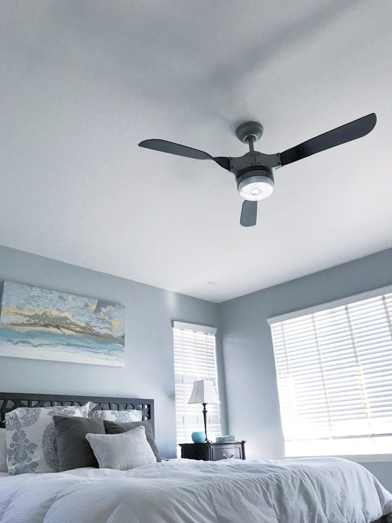 AD Hunter's line of SIMPLEconnect wifi enabled smart fans are compatible with Apple HomeKit & Amazon Alexa making it easy to control the temperature in your home right from your smart phone. This Hunter Fan remote control is also very convenient.