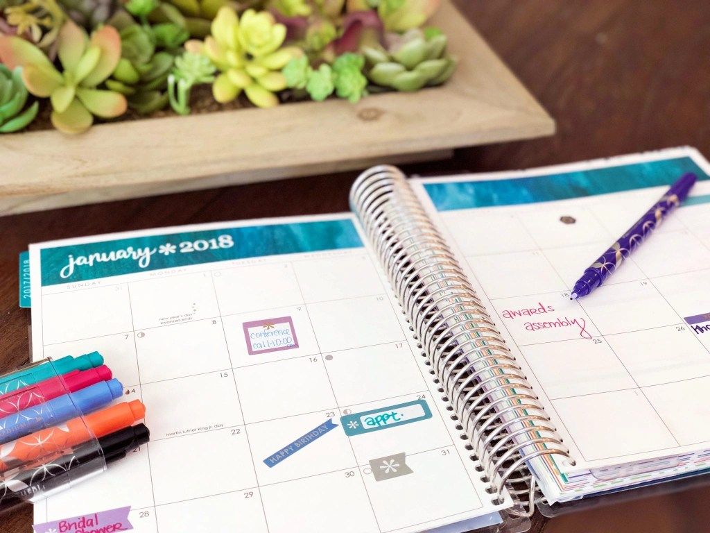 Why the best planner for moms is the LifePlanner by Erin Condren. See how this gorgeous planner brought organization back into my chaotic life as a mother of 5 plus entrepreneur and traveler.