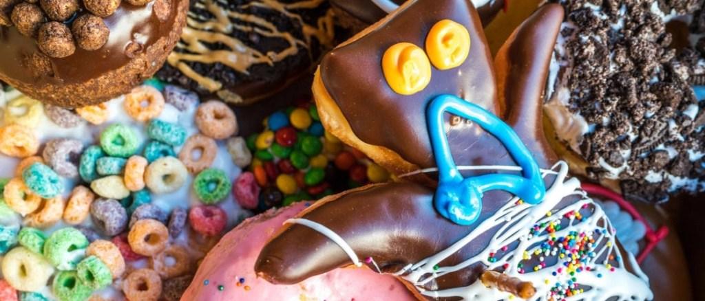 voodoo donuts citywalk - bunch of dounts