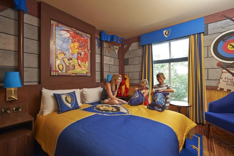 Castle-Hotel-Knight-Room_LR-RGB