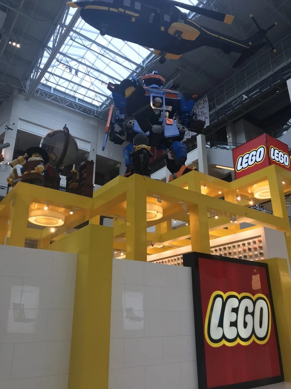 Things to do at Mall of America Lego Store