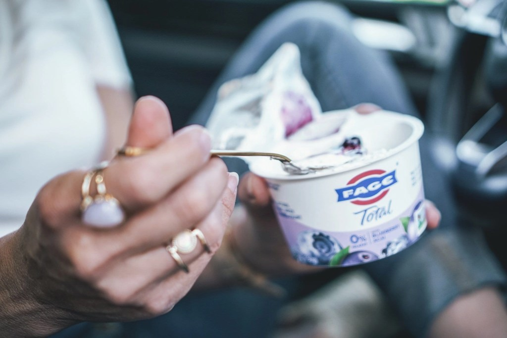 Looking for a high protein snack that is still creamy & delicious? Check out FAGE Split Cups.