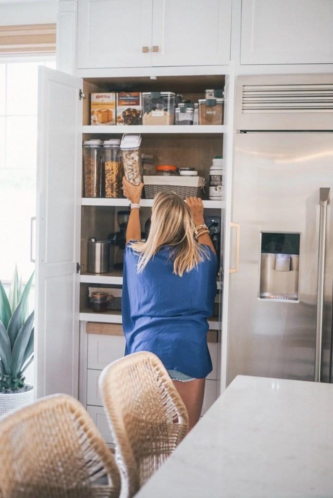 Clean pantry, pantry organization