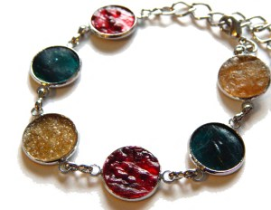 A73 Mixed Multi-Coloured Feature Bracelet