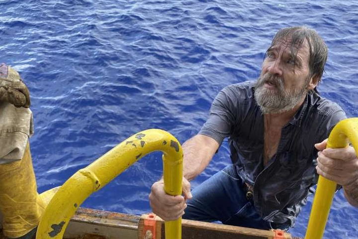 Richard bee, 62, is shown after he was rescued by the crew of the Angeles off the coast of Florida on Nov. 29, 2020.
