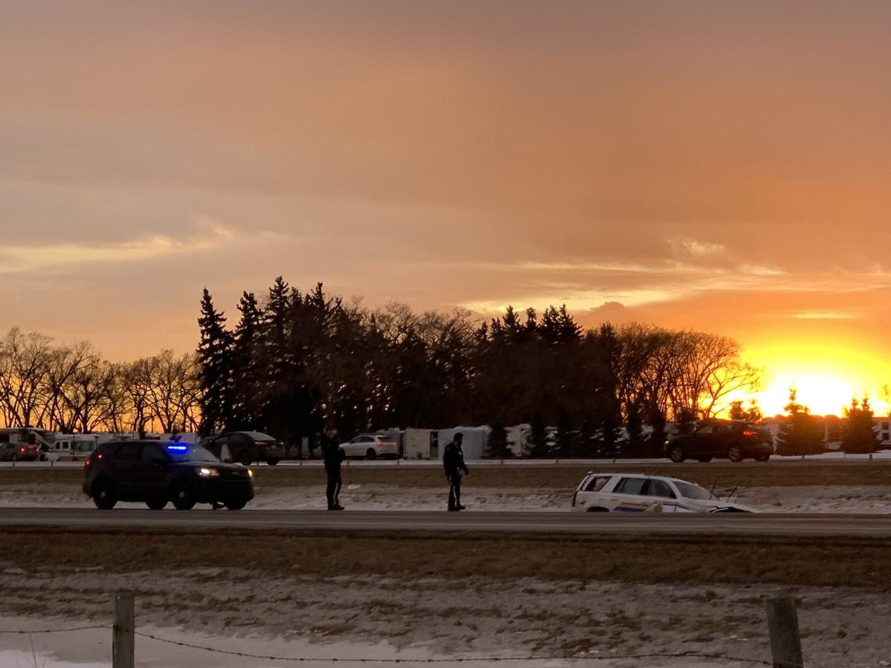 1 Mountie injured, 2 people arrested during pursuit near Edmonton following gun incident
